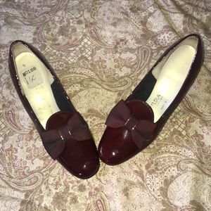 Vintage Naturalizer ruby red 50's bow heels shoe